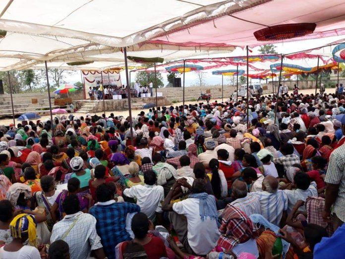 गुमला जिले के डुमरी में आदिवासियों की सभा