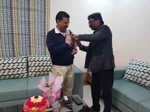 दिल्ली के मुख्यमंत्री अरविंद केजरीवाल से झारखंड के सीएम हेमंत सोरेन ने मुलाकात की