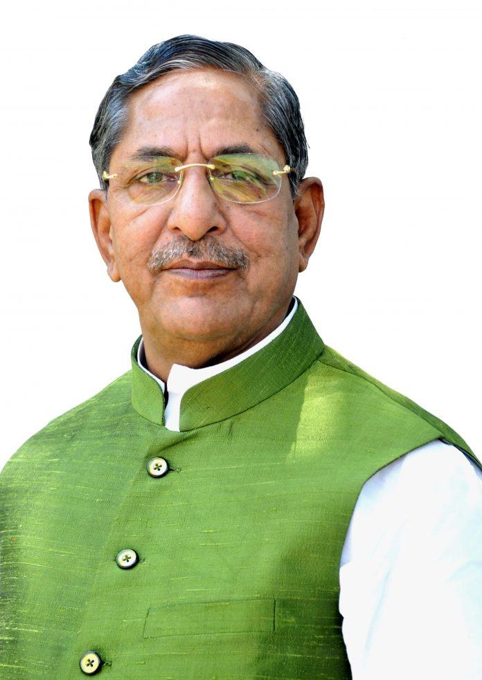 पीएम पैकेज की तीन प्रमुख सड़क परियोजनाओं को बिहार सरकार ने मंजूरी दे दी है। पथ निर्माण मंत्री नंद किशोर यादव ने जानकारी दी।