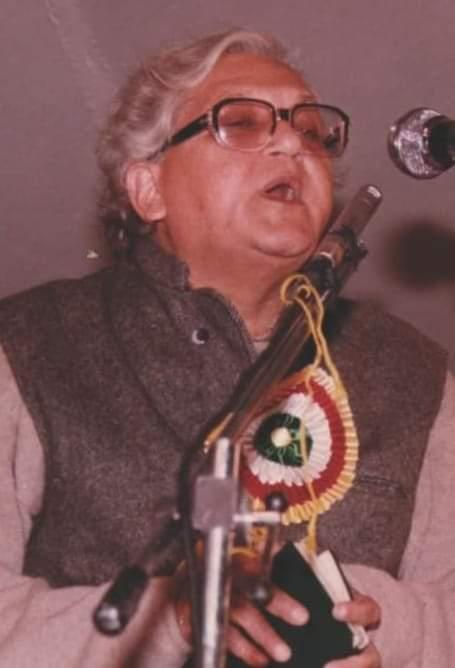 'गीत कभी गाता हूँ मैं, गीत कभी गाता मुझको' के बहाने गीतकार वीरेंद्र जी को याद किया है वरिष्ठ पत्रकार-साहित्यकार हरीश पाठक ने।
