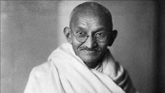 महात्मा गांधी को नमन। उनका स्मरण महज 02 अक्तूबर (जन्मदिन) या 30 जनवरी (पुण्यतिथि) तक के लिए ही नहीं है। उनका दर्शन जीवन के पल-पल की जरूरत बन चुका है।
